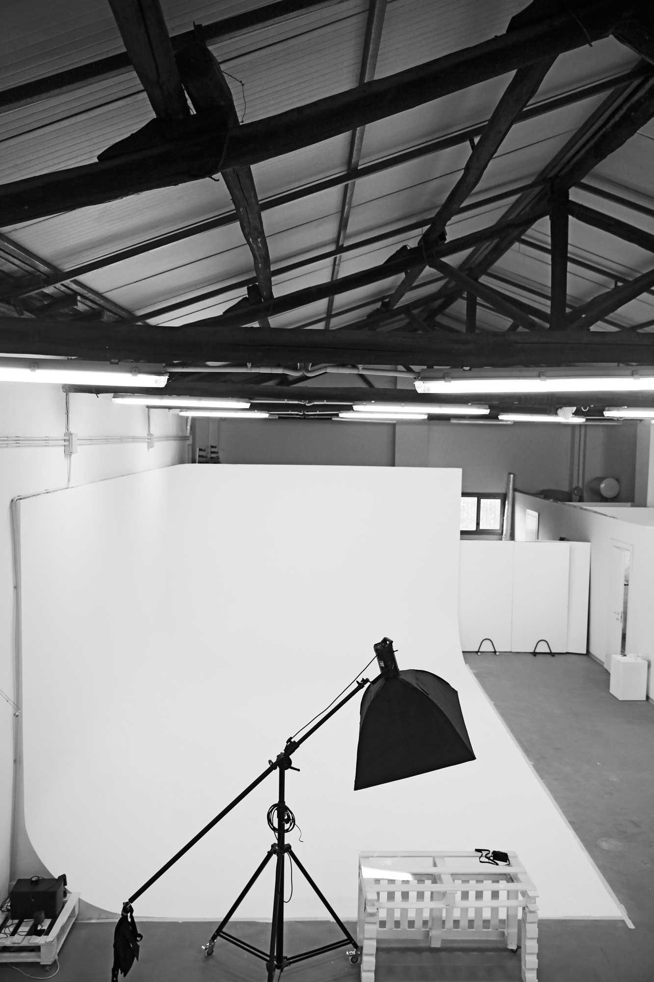 noleggio limbo cyclorama roma sala posa studio fotografico10
