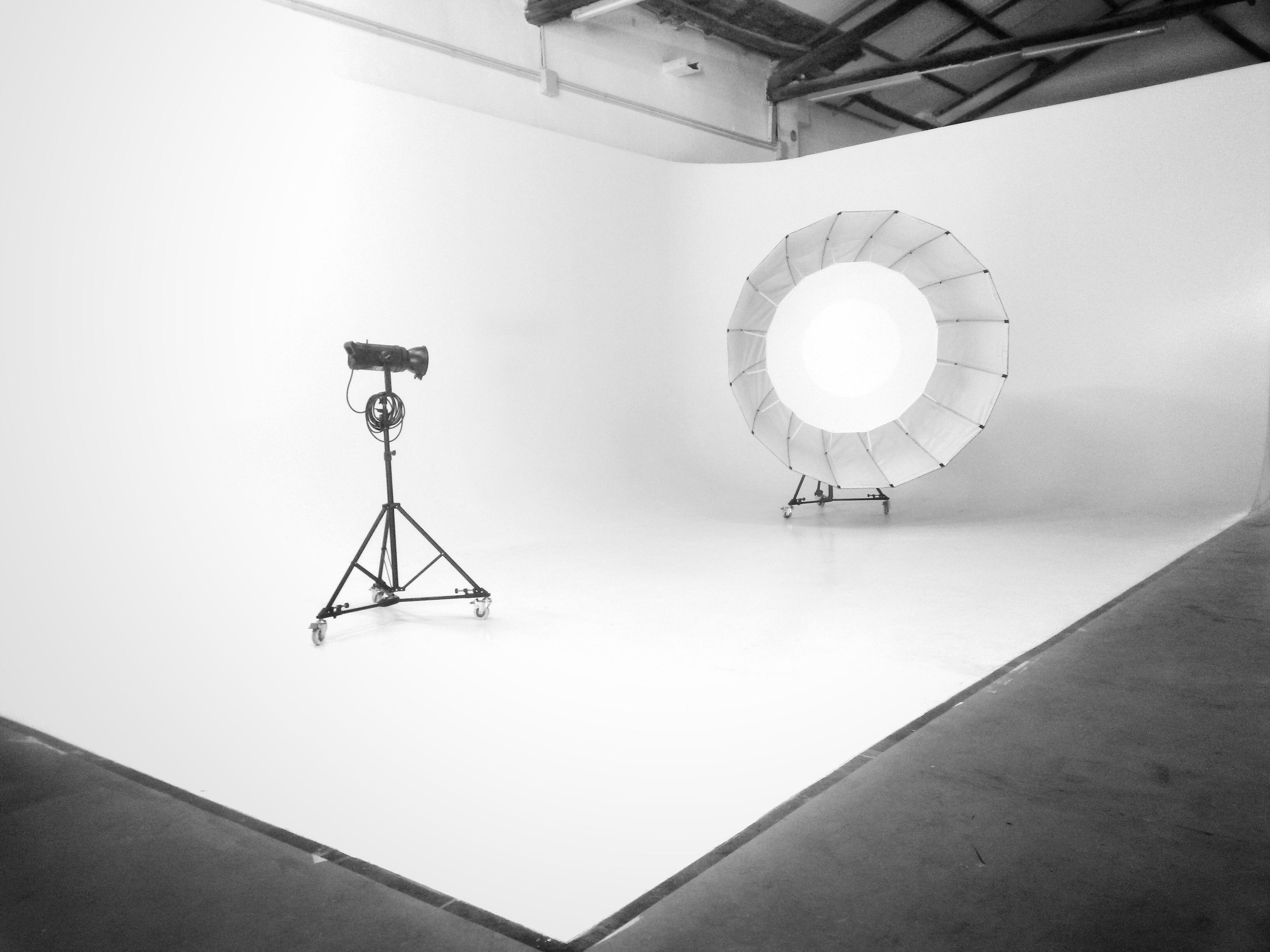 noleggio limbo cyclorama roma sala posa studio fotografico14